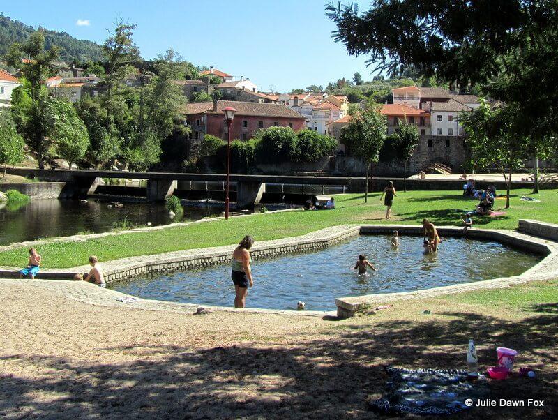 Paddling pool, Ilha do Picoto river beach, Avô, Portugal
