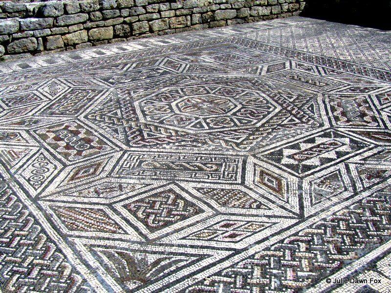 Mosaic floor, Conimbriga