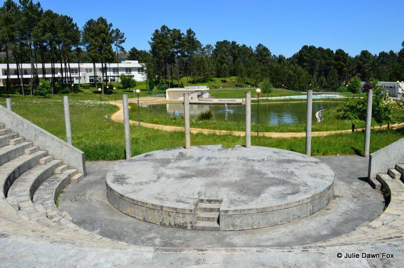 Amphitheatre, boating lake, swimming pool and Hotel Monte Prado at Melgaço Sports Complex