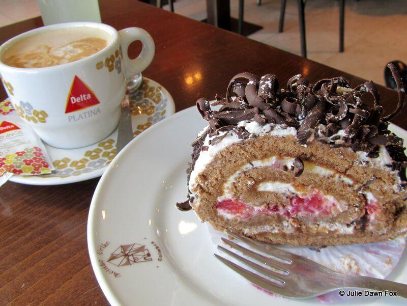 Coffee and cafe at Moinho Velho, Coimbra