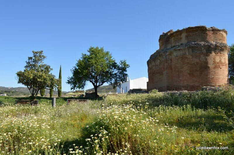 Roman temple, medieval farmhouse and botanical garden at Milreu, Agarve