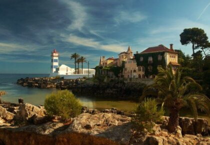 Things to do in Cascais Portugal. Casa de Santa Maria and lighthouse.