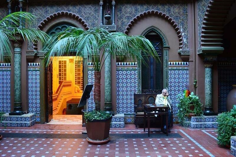 Neo Islamic architecture in Casa do Alentejo, Lisbon