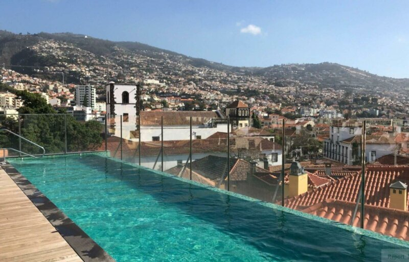 Castanheira Boutique hotel rooftop pool and views