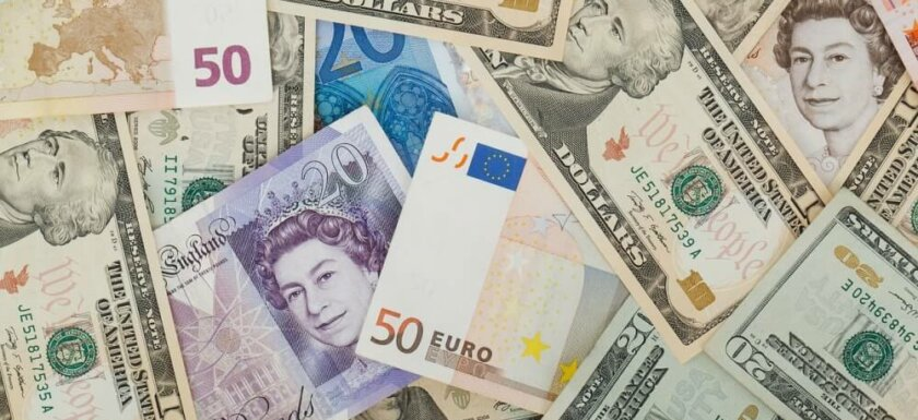 Mixed currency bank notes. How to transfer money abroad