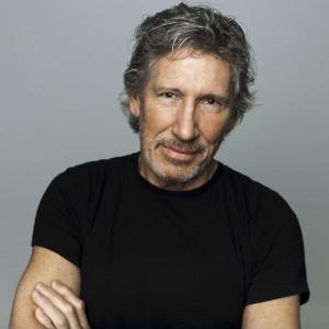 Roger Waters fuori