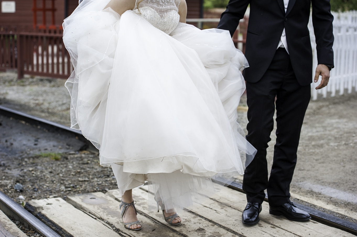 bride and groom photos calgary