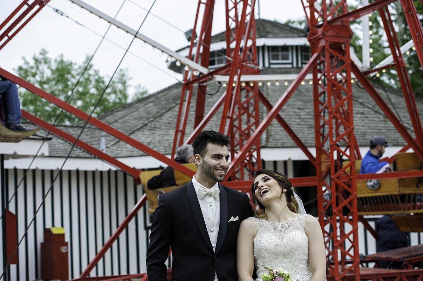ferris wheel wedding photos