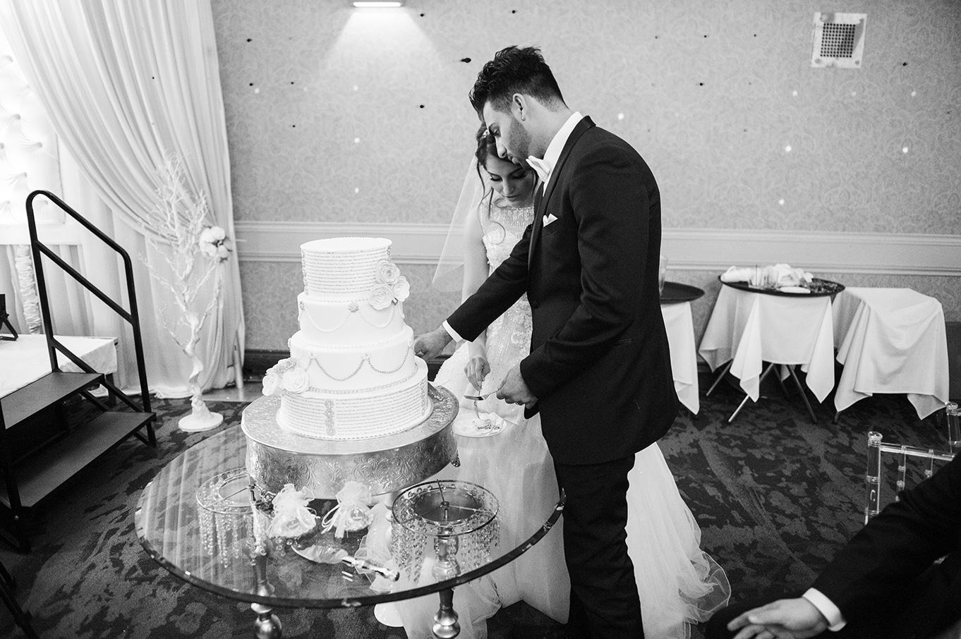 cake cutting turkish wedding