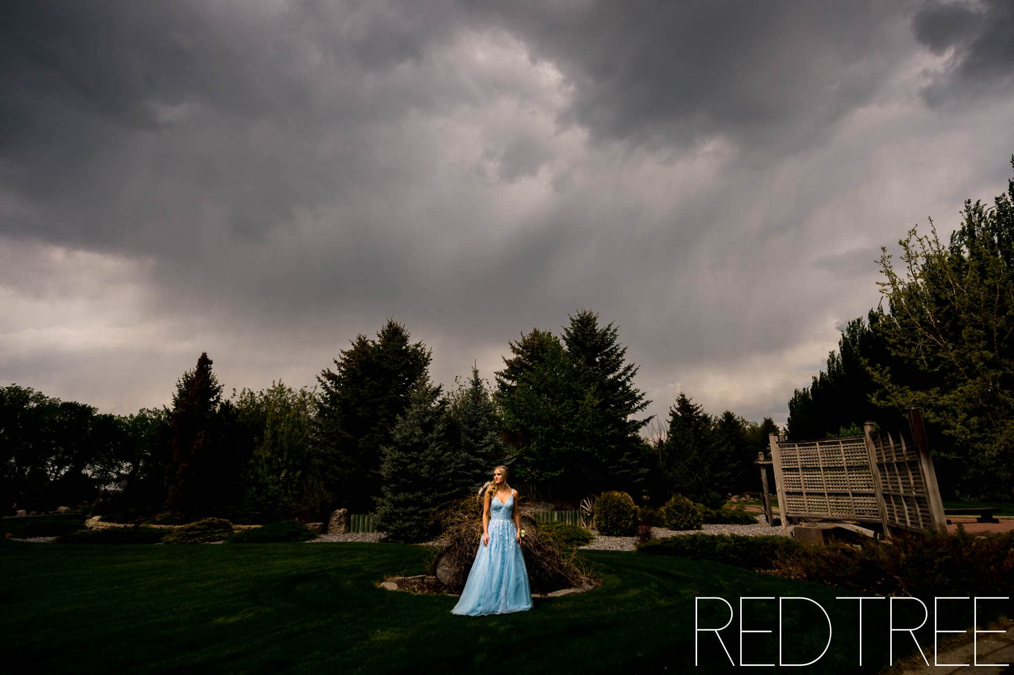 Taber Graduation Photographer: Senior Grad Photography