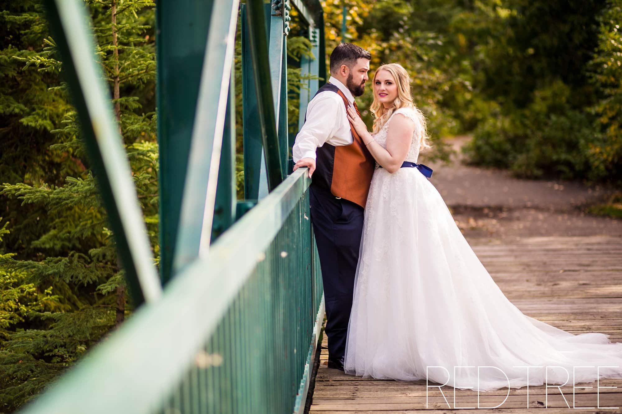Red Tail Landing Golf Course Wedding: Edmonton Wedding Photographers