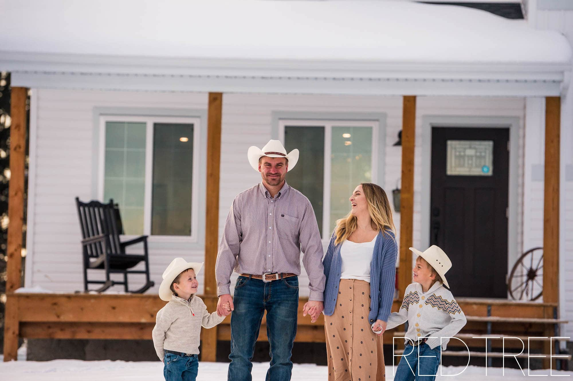 farm family photos red barn Edmonton family photographer
