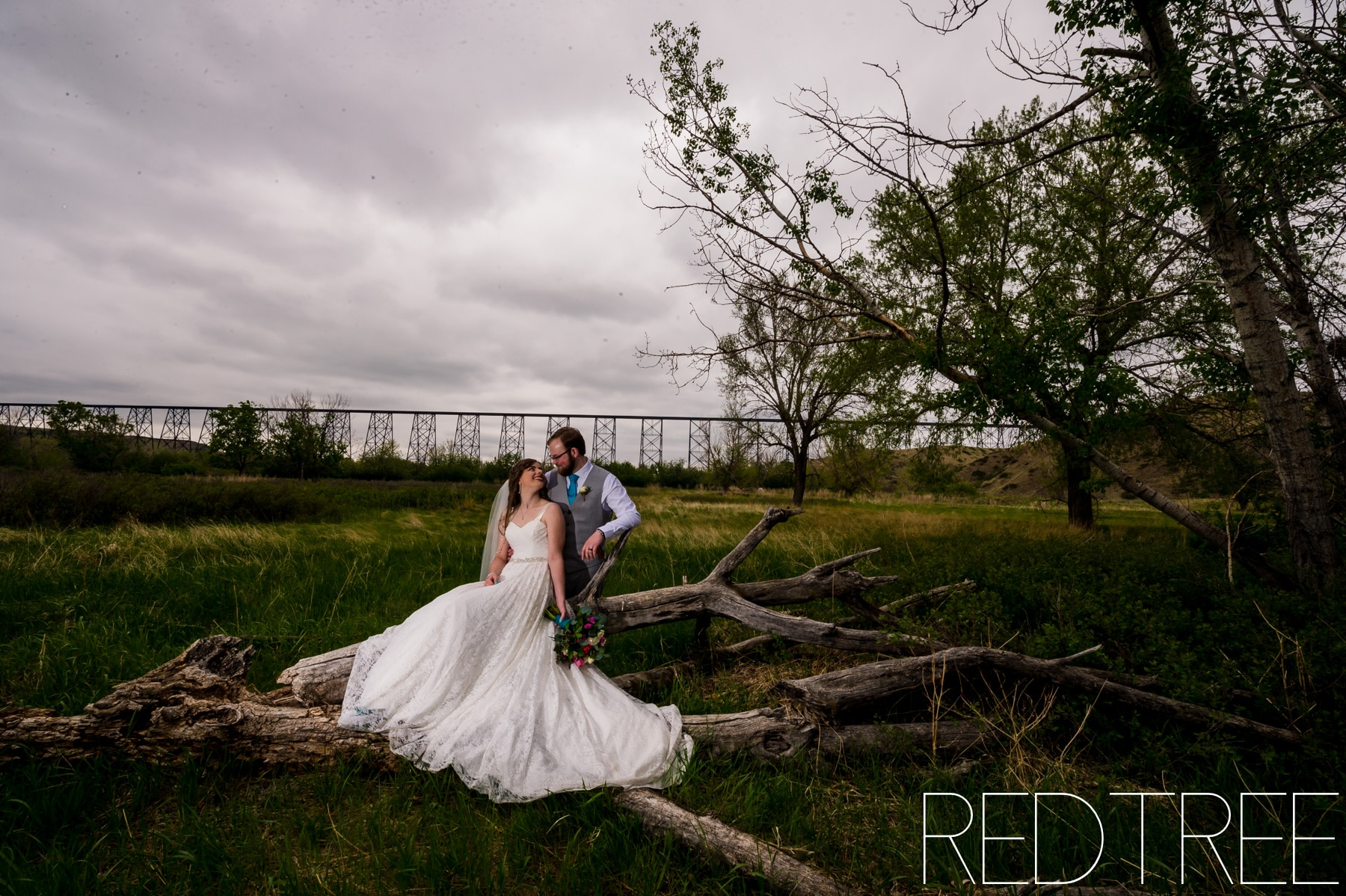 Trinity Reformed Church Lethbridge Wedding: Indian Battle Park Photography