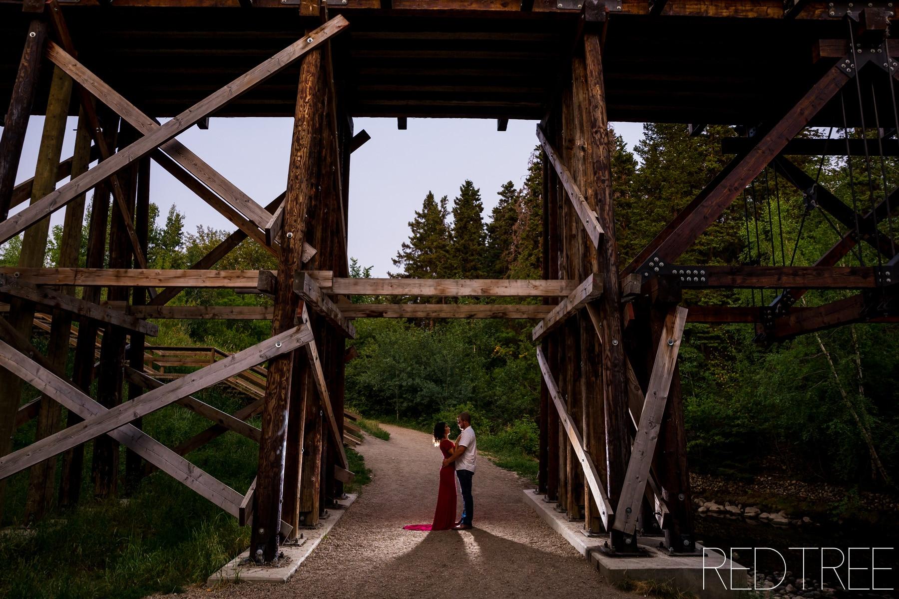 Mill Creek Ravine Engagement Session: Edmonton Engagement Photographer