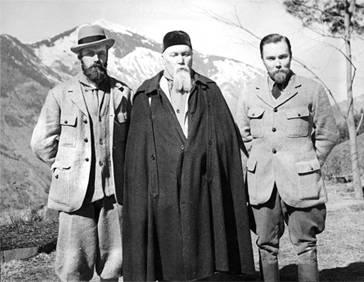 Nicholas K.Roerich with sons in Kullu,India