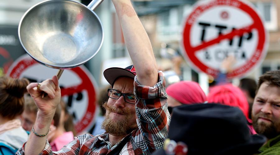 FILE PHOTO © Francois Lenoir / Reuters