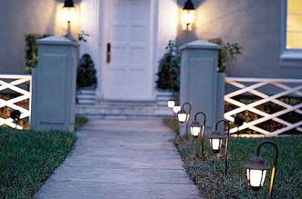 Outdoor Lighting Tips for a Better Lit Walkway