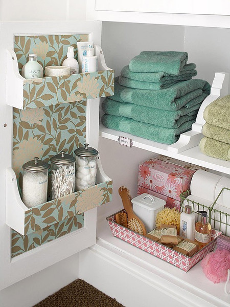 Small_Bathroom_Chic-_Space_Saving_Solutions_from_Bathroom_Bliss_by_Rotator_Rod_4_grande