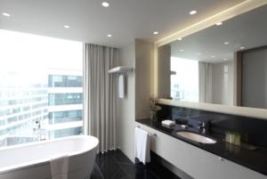 10 Ways to Creating a Hotel Style Bathroom