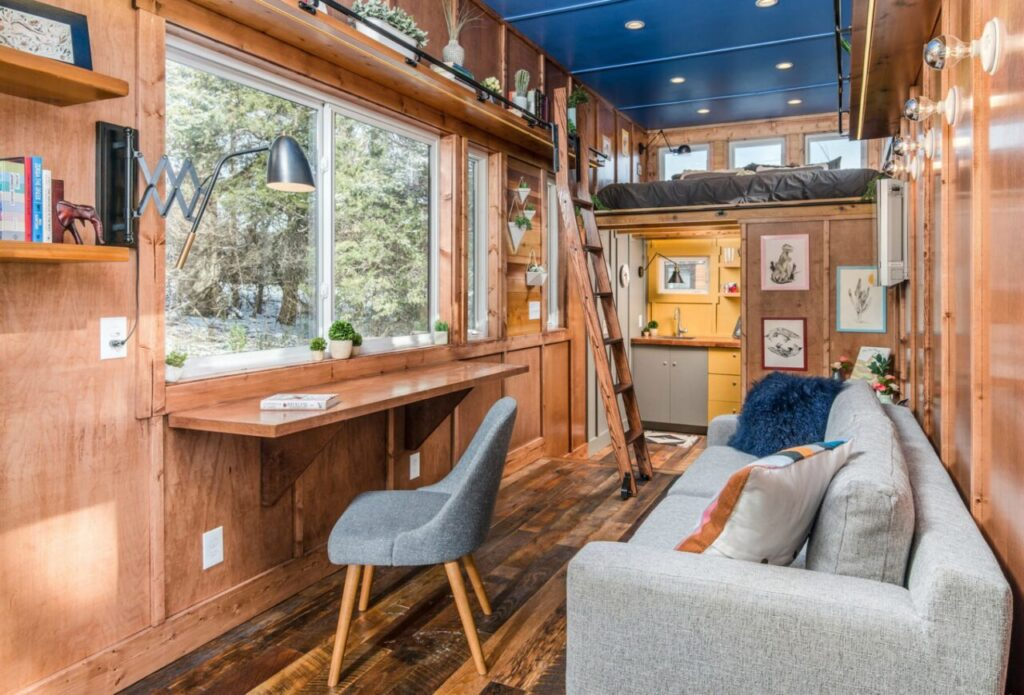Downsizing? Here Are 7 Reasons to Join the Tiny House Movement