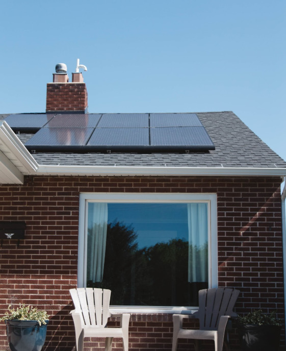 Reducing Your Home's Carbon Footprint: 6 Undeniable Benefits of Installing Solar Panels