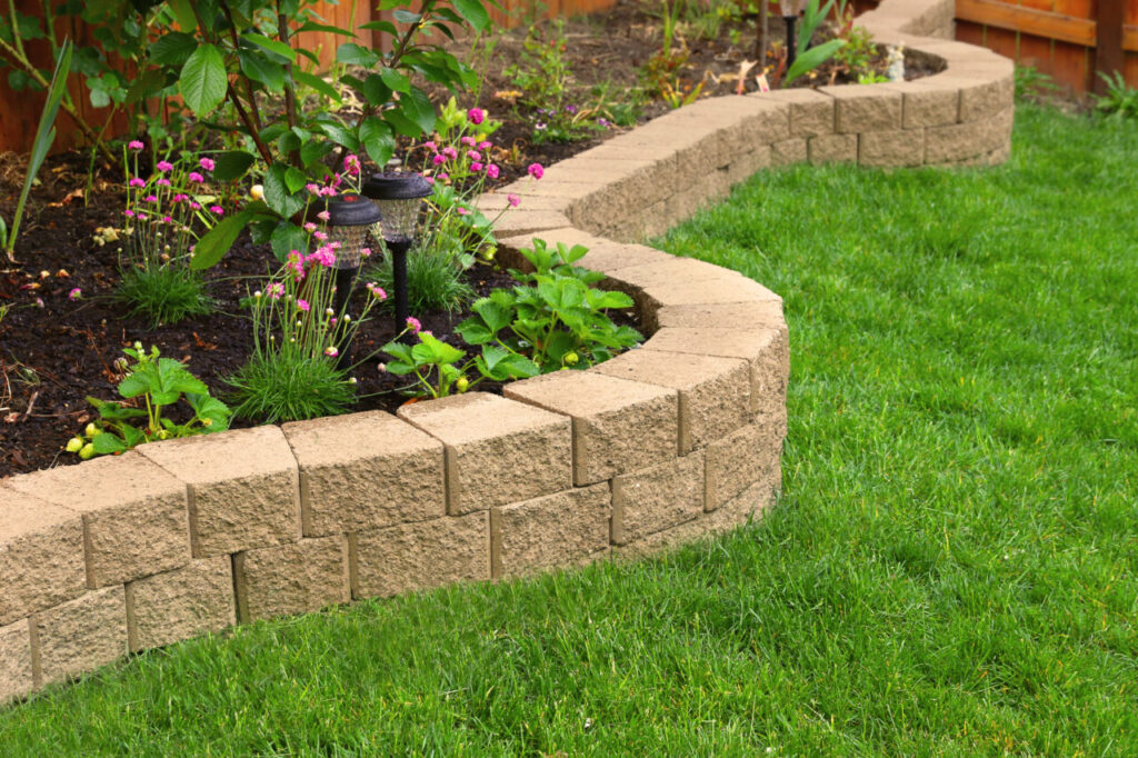8 Landscaping Tips That Can Help Sell Your House Faster