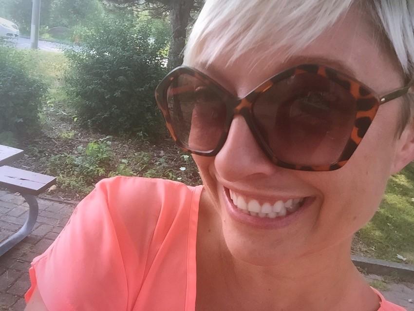 Show Off That Brilliant Smile! Brush. Whiten. Go., Colgate Canada