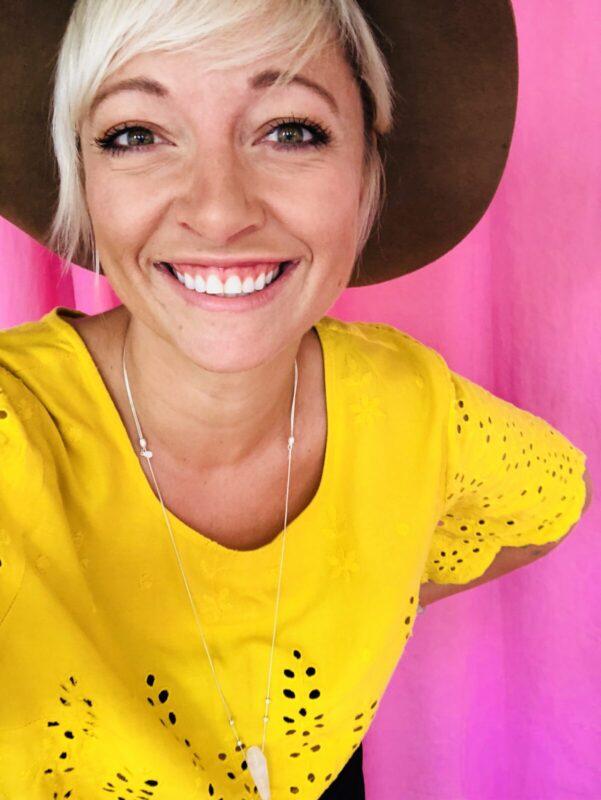 casie stewart, blogger, influencer, toronto, sunshine, travel, tech, fashion
