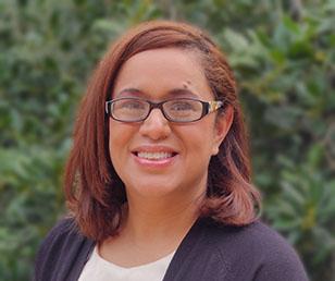 Ivette Recruiter Headshot