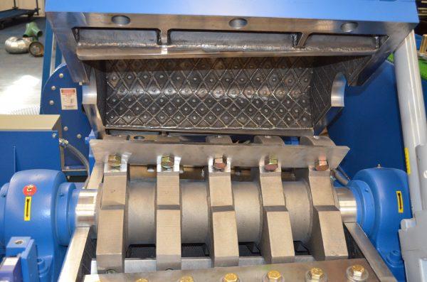 1626CMHD Low Profile wire Granulator