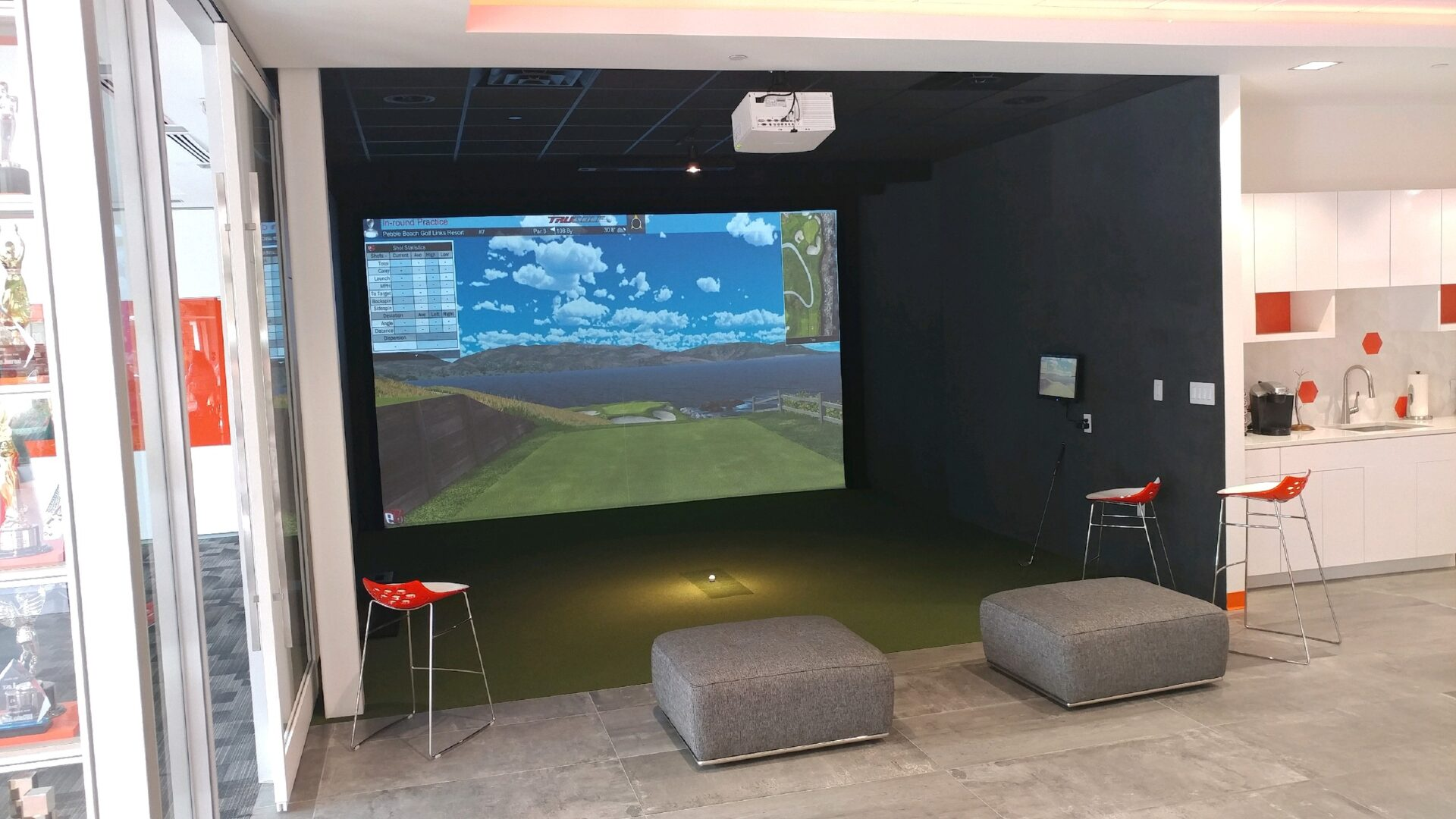 Indoor Virtual Golf Simulators