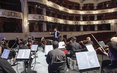 Orquesta Filarmónica de Santiago celebra aniversario con Strauss y Beethoven