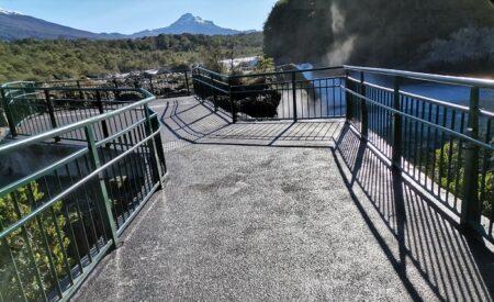 Saltos del Petrohué del Parque Nacional Vicente Pérez Rosales.