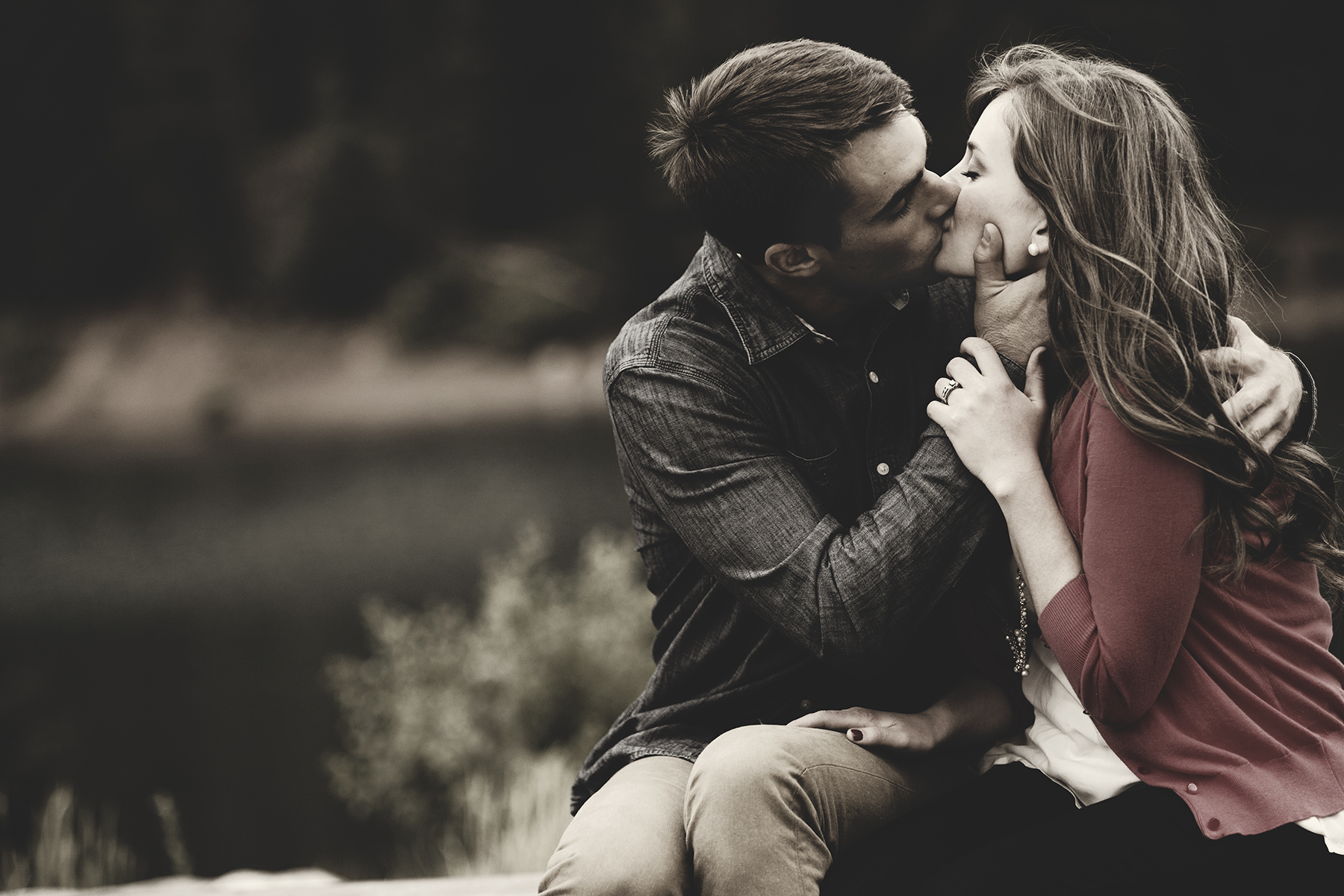 Utah Engagement Pictures passionate kiss bokeh