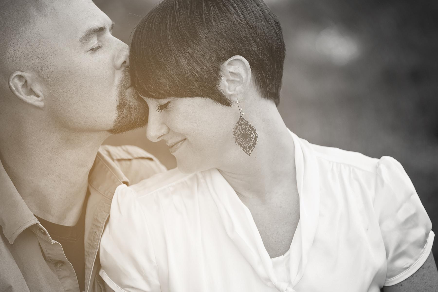 Utah Engagement Pictures black white kiss forehead