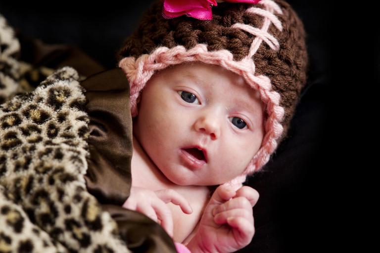 Newborn Pictures big eyes baby