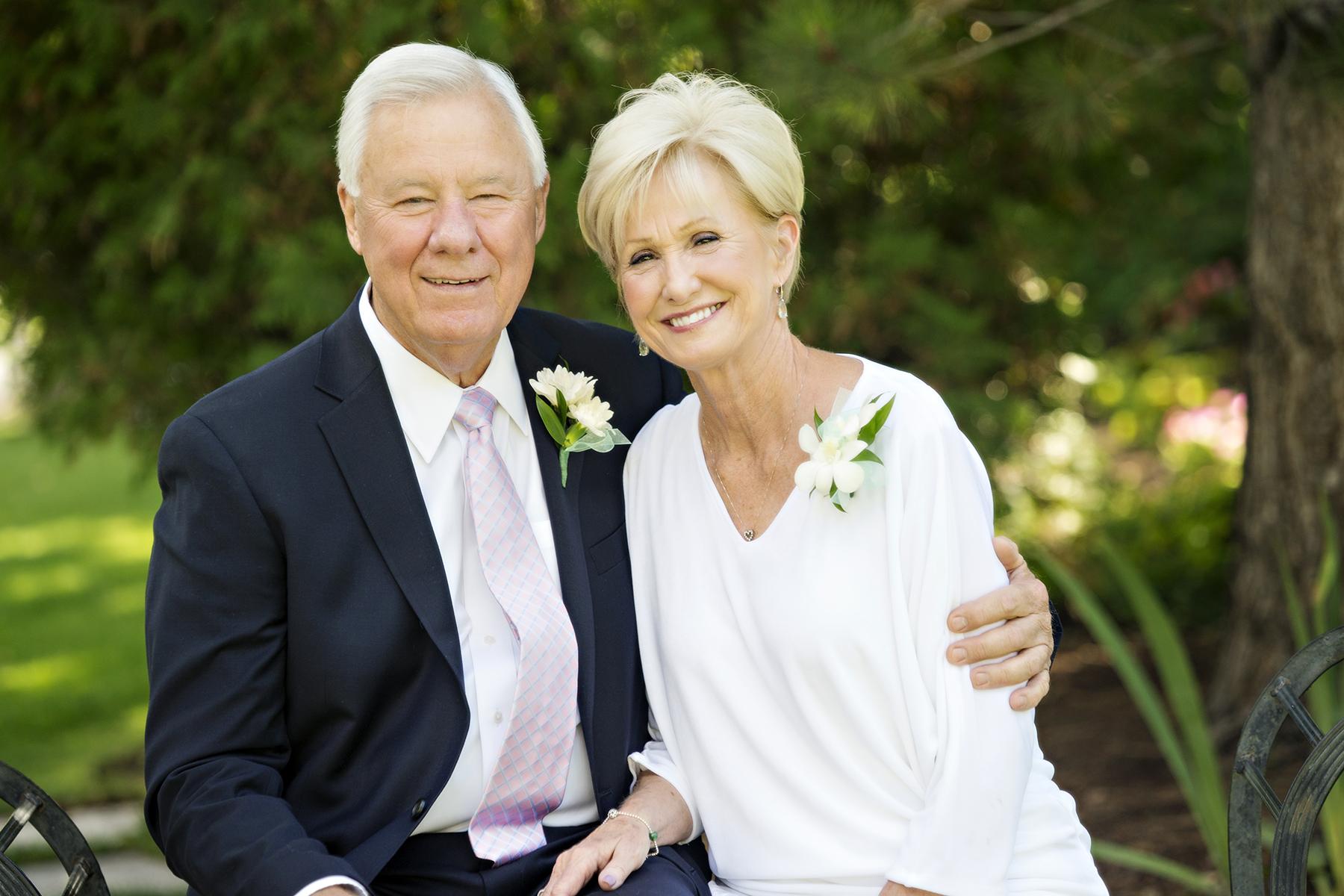 Utah Family Photos Happy Couple Smiling