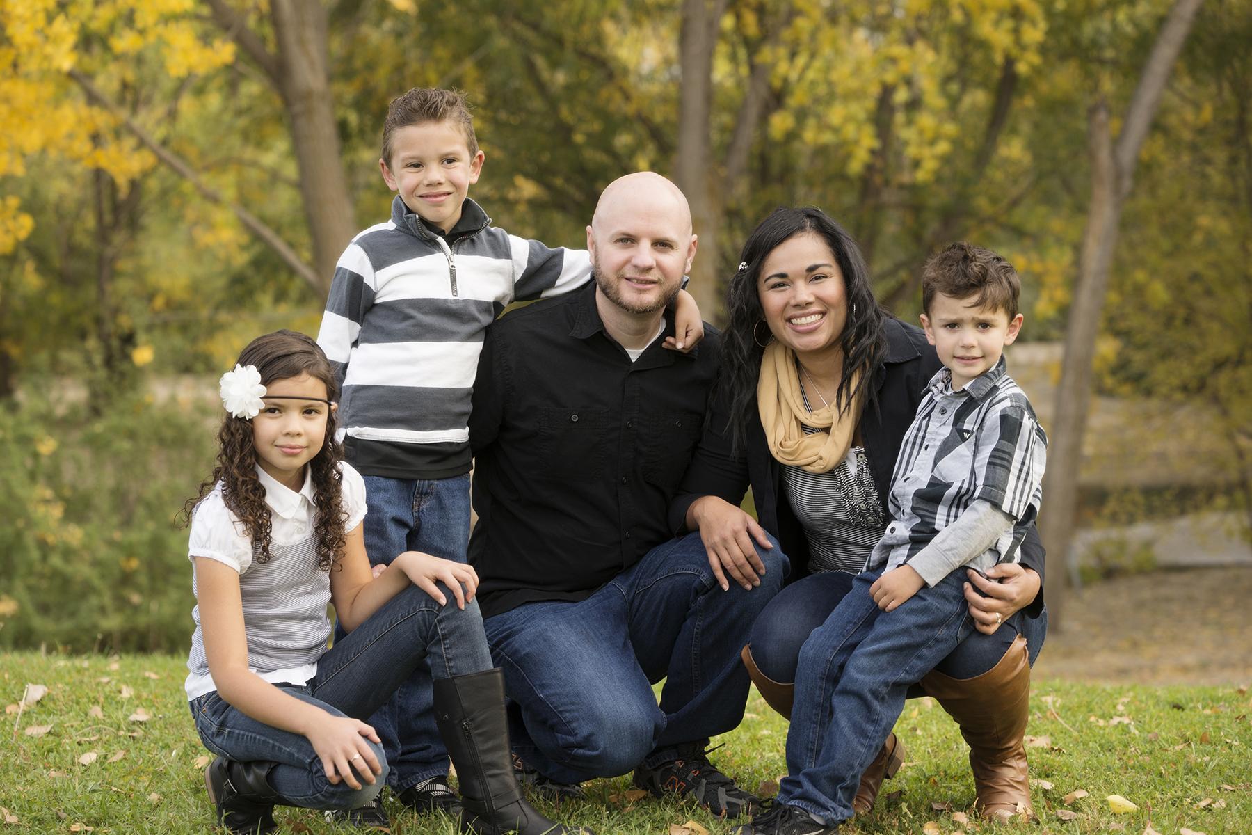 Utah Family of five Photos gray black