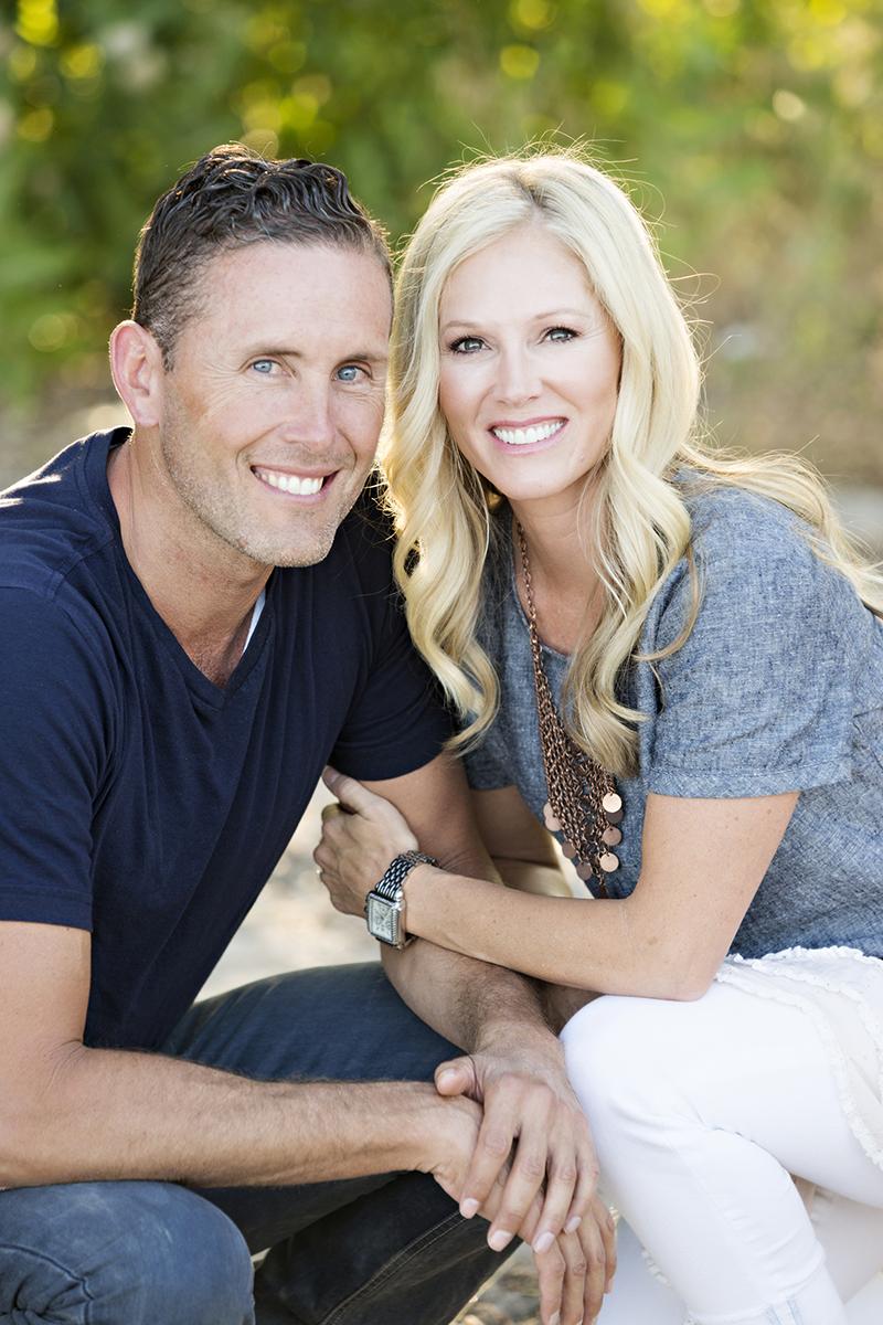 Utah Couple Photos Bear Lake Smiling