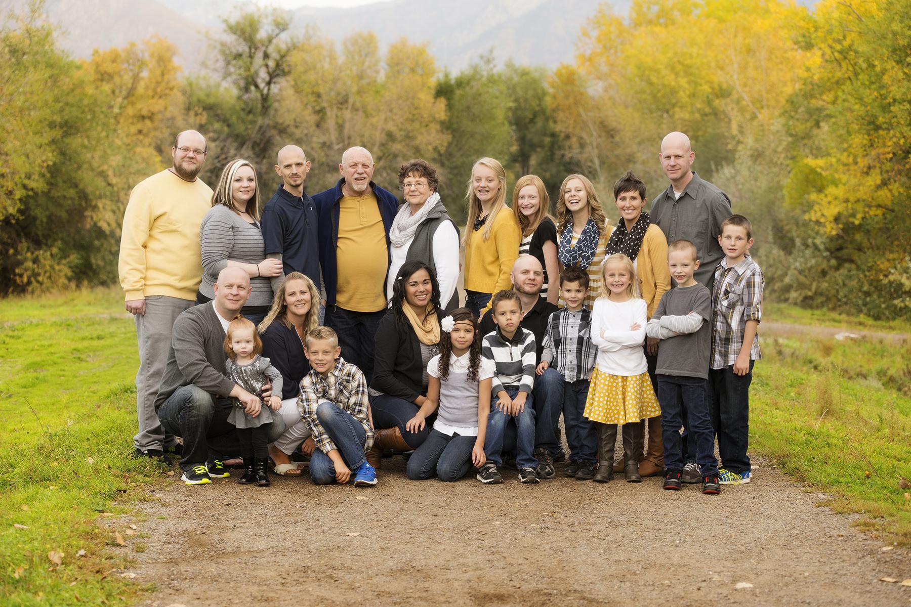 Utah Family Photos huge family yellow fall