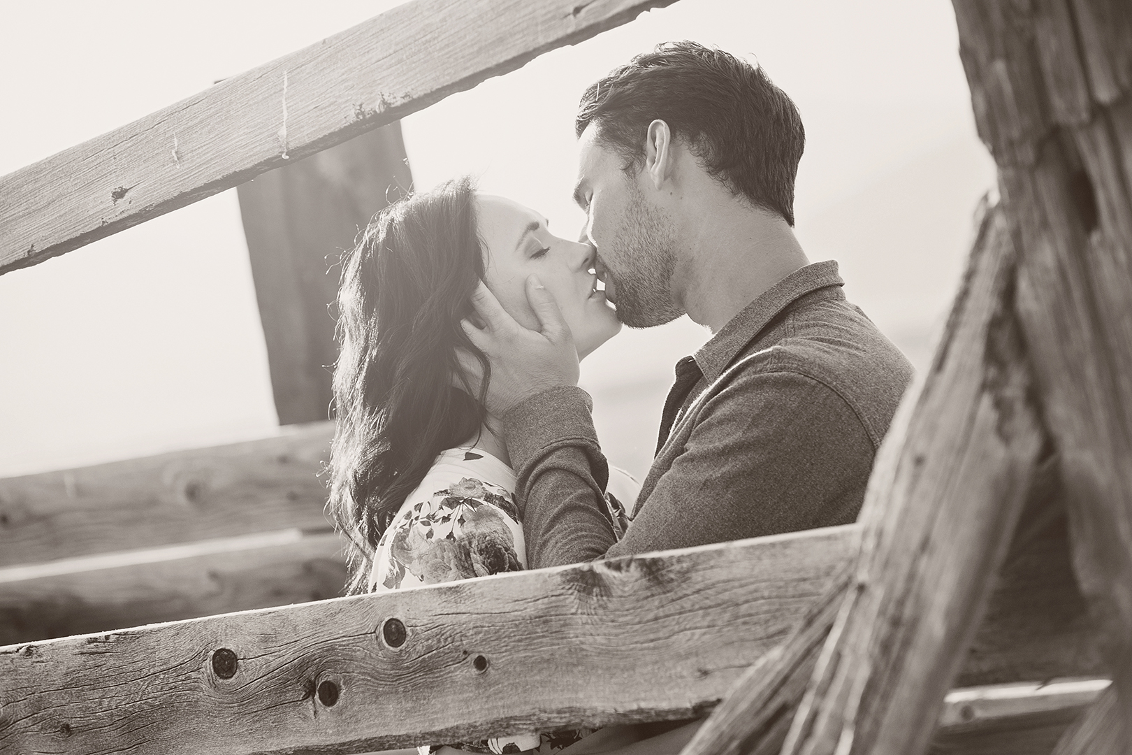 Engagement Photos Kiss