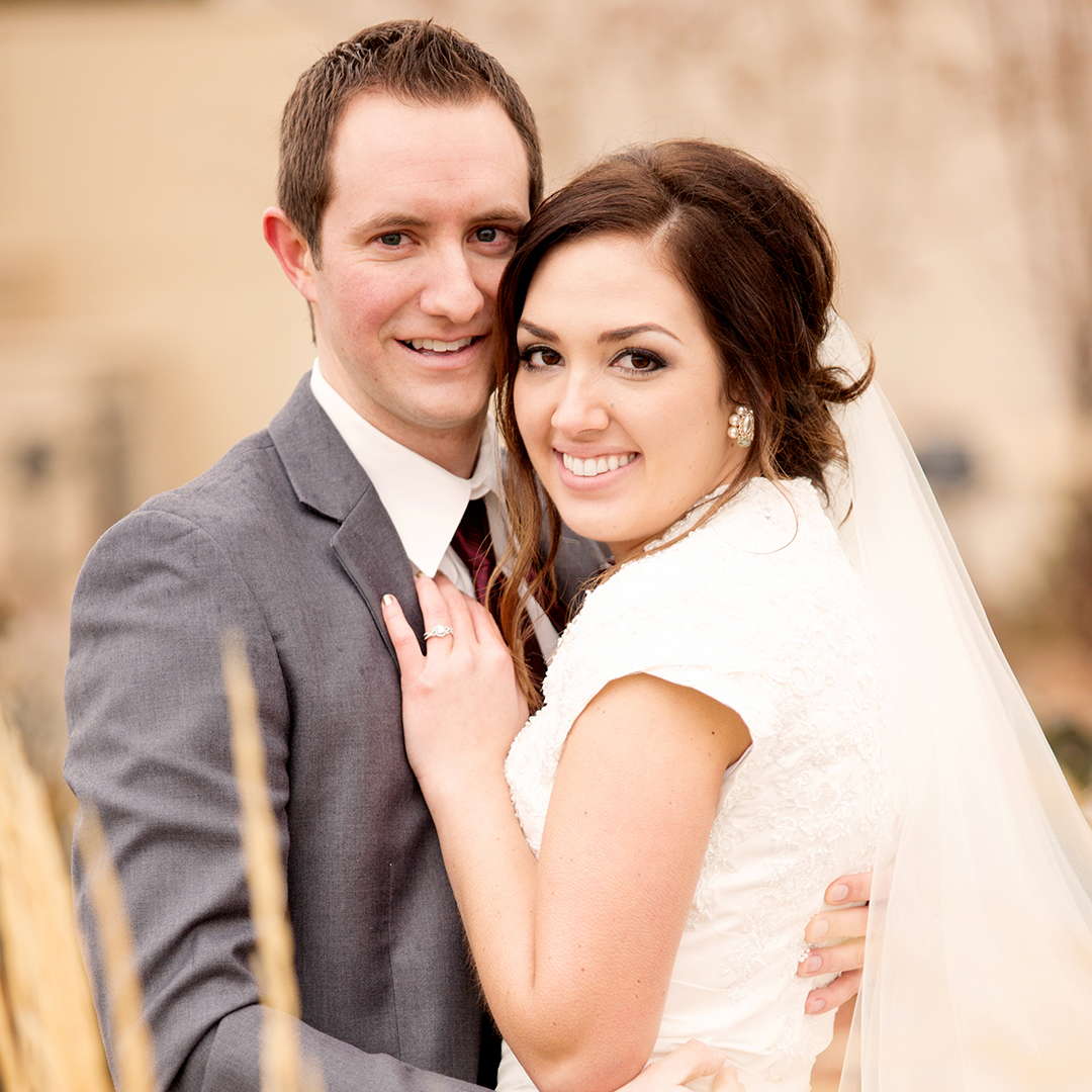 Bride and Groom at Payson Temple