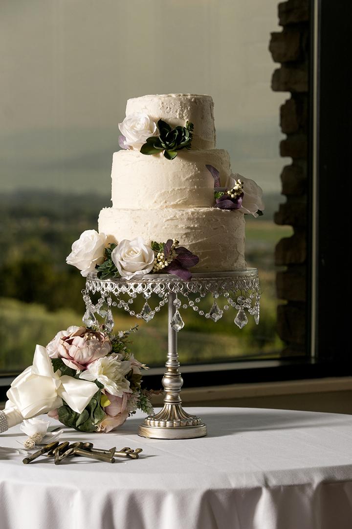 Timeless Wedding Cake