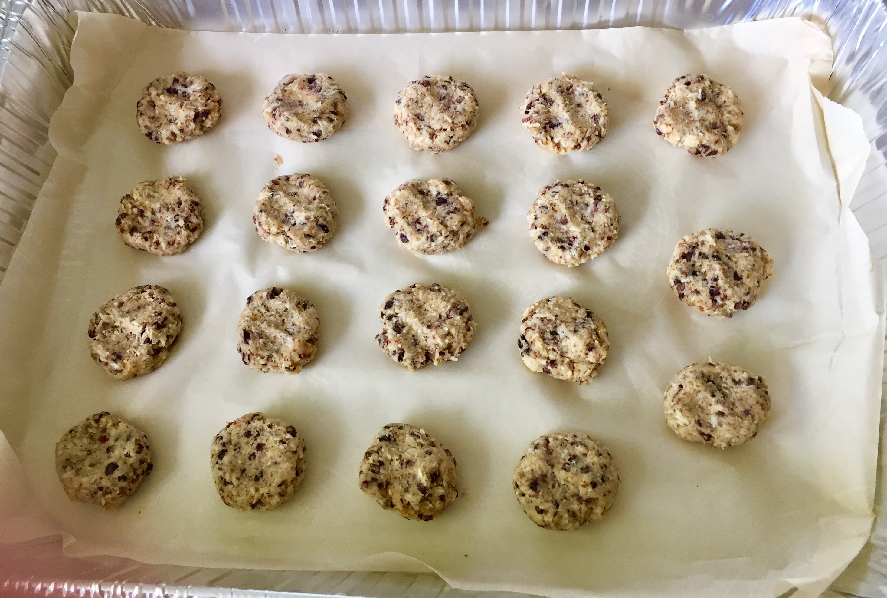 Healthy Recipe: Coconut-Almond Cacao Nibbles Flour- and added sugar-free!