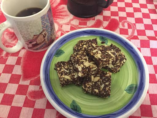 Healthy Recipe: Chocolate cherry almond granola bars