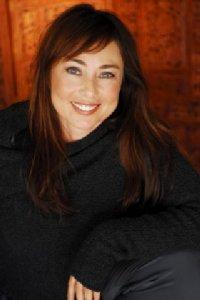 Lynette Louise profile