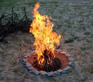 beach-bonfire.s300x300