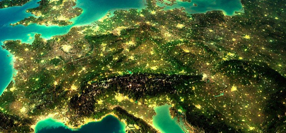 europe-globe-earth-1940x900_36464