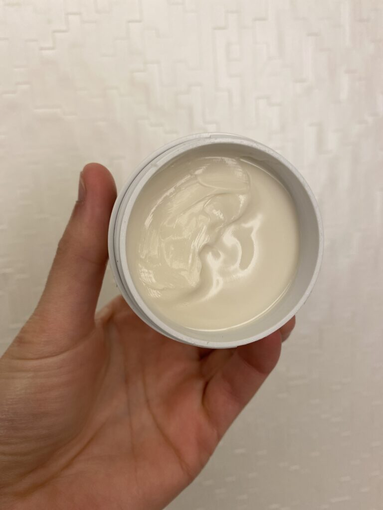 All_in_one_face_cream_texture