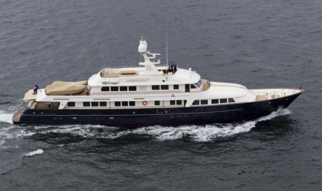 ISS-Award-2013-for-Pendennis-refitted-superyacht-A2-665x396